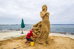 Thomas Koet. World Class Sand Sculpter Thomas Koet Sculpting Out Of Reach In San Diego, California, 2016 Stock Photo