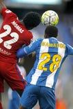 Thomas Partey von Atletico Madrid und Mamadou Sylla des RCD Espanyol Lizenzfreies Stockfoto