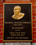 Thomas Yawkey Plaque Fenway Park, Boston, MOR. Royaltyfri Fotografi