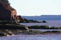 Thomas zatoczki piaskowcowe falezy & przypływ obraz stock