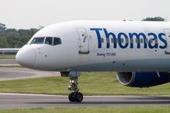 ThomasCook Boeing 757 Fotografering för Bildbyråer