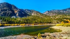 Thompson River an provinziellem Park Goldpan in BC Kanada lizenzfreie stockfotos