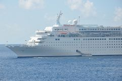 Thomson Dream-Kreuzschiff stockbild