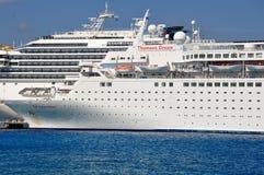 Thomson Dream-Kreuzschiff stockfotos