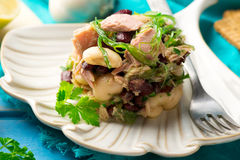 Thon, algue, et salade mélangée de légumineuse Photo stock