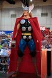 Thor, cudów super bohaterów stojak dla promuje film przy Bangkok, Tajlandia Zdjęcie Stock