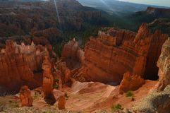 Thor` s Hamers in Dawn In Bryce Canyon Formations van Hoodos geology Reis nave stock foto