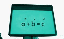 Théorème du ` s de Pythagore sur un panneau d'affichage Photo stock