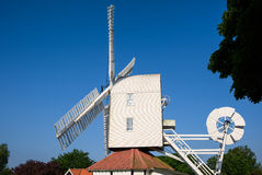THORPENESS, SUFFOLK/UK - MAY 25 : Thorpeness Windmill Building i Royalty Free Stock Photo