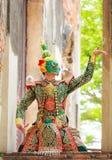 Thotsakan 10 сторон гигантских в Khon или традиционной тайской пантомиме по мере того как культурное танцуя представление искусст Стоковые Фото