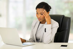 Thoughtful african businesswoman Royalty Free Stock Photos