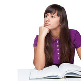 Thoughtfull-Mädchen mit Buch Lizenzfreie Stockfotos