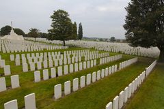 Thousands of Graves, Tyne Cot Cemetery, Ypres Stock Photo
