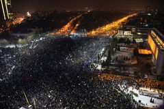 Thousands protest as Romania relaxes corruption law Royalty Free Stock Photography