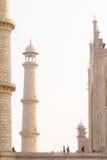 Thousands of tourists visit daily the Taj Mahal Royalty Free Stock Photos