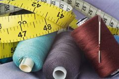 Threads and needle Royalty Free Stock Images