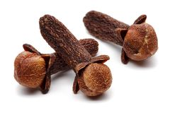 Free Three Cloves Isolated On White Background Royalty Free Stock Images - 132168649