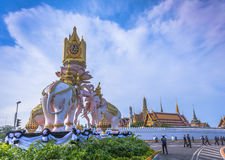 Three elephant statues in the circle near the palace Stock Photography