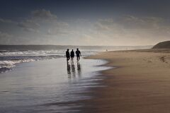 Free Three Friends Enjoy The Beach Stock Images - 174047004