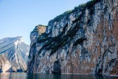 Three Gorges ущелья Рекы Янцзы Qutangxia Стоковое фото RF