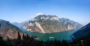Three Gorges de la garganta del valle del río Yangtze Imágenes de archivo libres de regalías