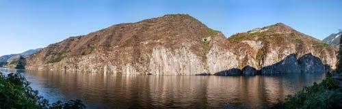 Three Gorges de la gorge du fleuve Yangtze Qutangxia Images stock