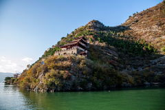 Three Gorges of the Yangtze River Qutang Gorge Red Chijia Chijia Lou. The red mountain Wushan mountains, is located in Fengjie Baidi town of stone temple village Stock Photos