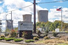 Three Mile Island Power Generating Plant Sign. Middletown, PA, USA - October 21, 2018: Three Mile Island Nuclear power generating station, commonly known as TMI stock photos