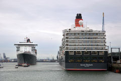 Three Queens Event 8. SOUTHAMPTON, UK - 5 JUNE: Cunard ships Queen Elizabeth, Queen Mary 2 & Queen Victoria meet in the port of Southampton for the first time to Royalty Free Stock Image