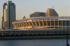 Three Rivers Stadium op de Rivier van Ohio, Cincinnati, OH stock afbeelding