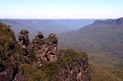 Three Sisters rock formation in the Blue Mountains National Park Stock Photos