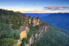 Three sisters at sunset,katoomba,blue mountains,sydney,new south Stock Photos