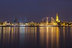 Threemasters i Antwerp vid natt Royaltyfri Fotografi