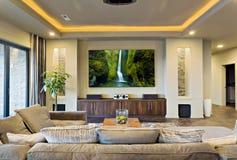 Théâtre dans la maison neuve luxueuse Photo libre de droits