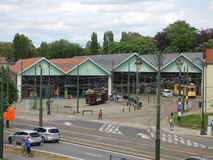 Thuin - 11. Juni: Alte Erbstraßenbahnstraßenbahn vor Tram-Museum in Brüssel Foto am 11. Juni 2017 gemacht, Brüssel Stockfoto