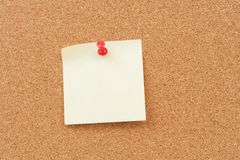 Thumbtack and note paper Royalty Free Stock Photography