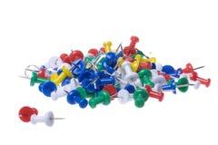 Thumbtacks colorés d'isolement Images stock