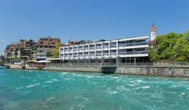 Thun, der Aare-Fluss Lizenzfreie Stockfotografie