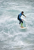 Thun, Suíça - surfar do rio - 23 de julho de 2017 Imagens de Stock
