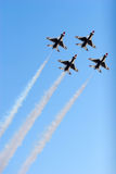thunderbird för 16 f-kämpestrålar Royaltyfri Bild