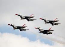 Thunderbirds i bildande Arkivfoton
