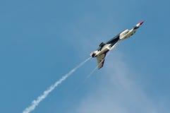 Thunderbird toont Royalty-vrije Stock Afbeeldingen