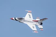 Thunderbird w locie, w górę zakończenia! Zdjęcie Royalty Free