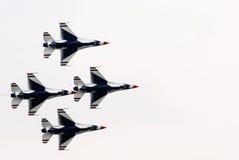 Thunderbirds (Πολεμική Αεροπορία των Η.Π.Α.) Στοκ φωτογραφία με δικαίωμα ελεύθερης χρήσης