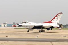 Thunderbirds (Πολεμική Αεροπορία των Η.Π.Α.) Στοκ εικόνα με δικαίωμα ελεύθερης χρήσης