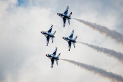 Thunderbirds στο σχηματισμό διαμαντιών Στοκ φωτογραφίες με δικαίωμα ελεύθερης χρήσης