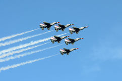Thunderbirds de l'U.S. Air Force dans la formation Images libres de droits