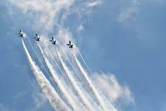 Thunderbirds die luid in de Hemel stijgen royalty-vrije stock foto