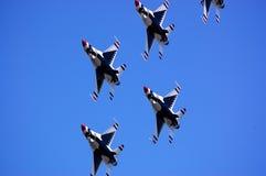 Thunderbirds nella formazione fotografie stock