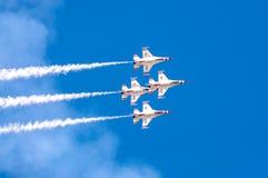 Thunderbirds in vorming stock afbeelding